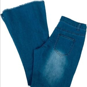 Denim - Bell Bottom Boho a Jeans Size 30